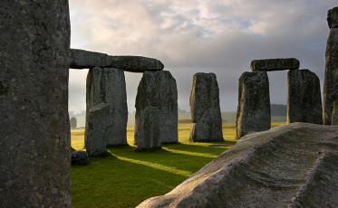 stonehenge feature_800x494